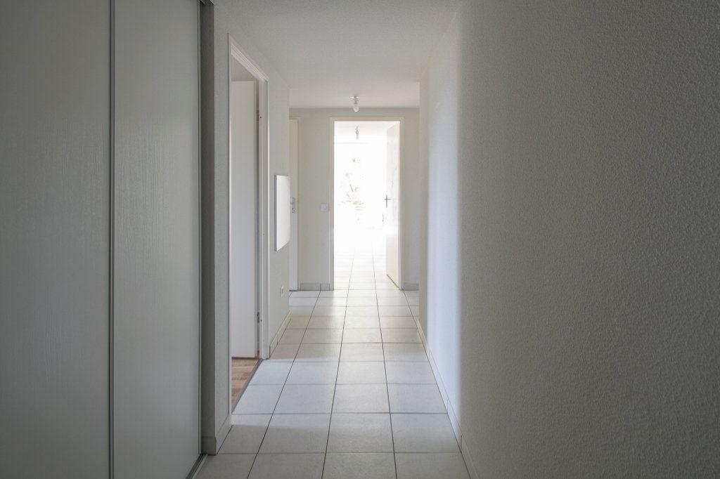 Appartement à vendre 4 70.49m2 à Pau vignette-9