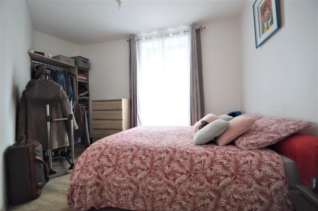 Appartement à louer 2 40.27m2 à Pau vignette-5