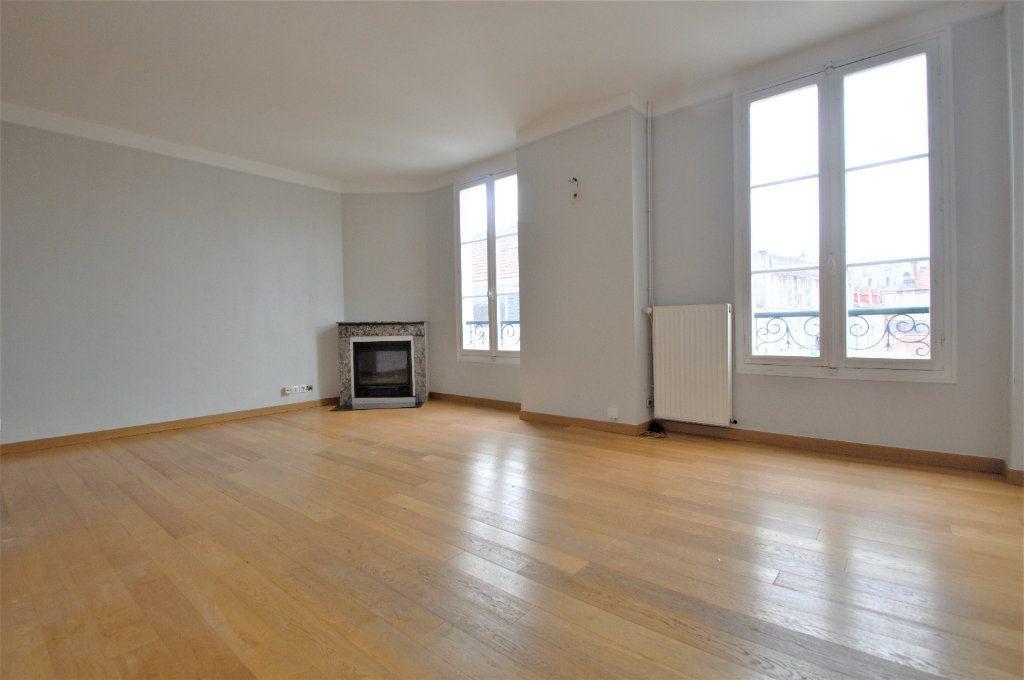 Appartement à louer 3 74.27m2 à Pau vignette-1