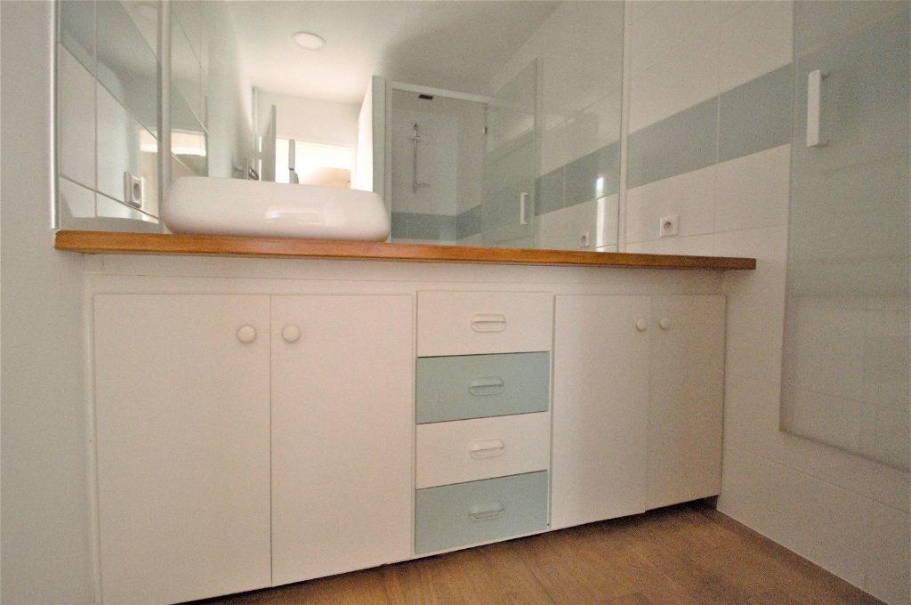 Appartement à louer 3 74.27m2 à Pau vignette-3