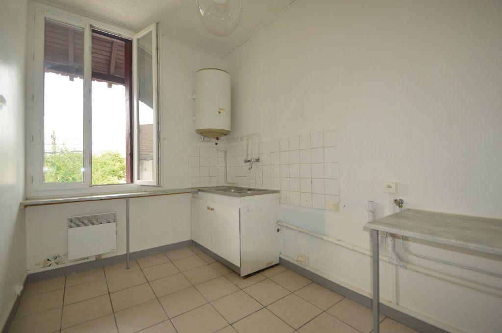 Appartement à louer 2 42m2 à Gelos vignette-2