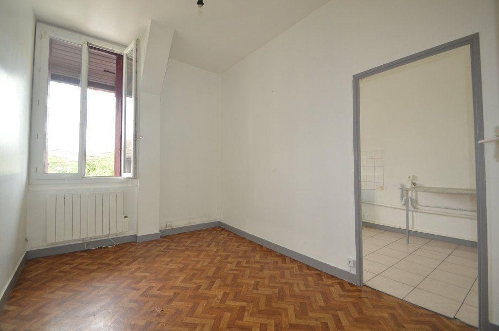 Appartement à louer 2 42m2 à Gelos vignette-3