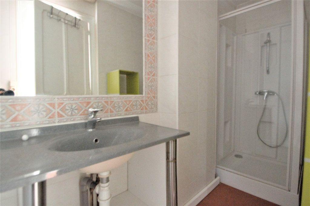Appartement à louer 1 29.27m2 à Pau vignette-3