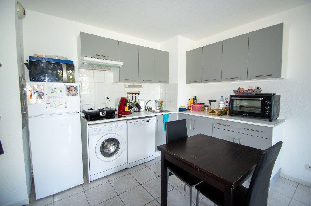 Appartement à vendre 3 62m2 à Billère vignette-1