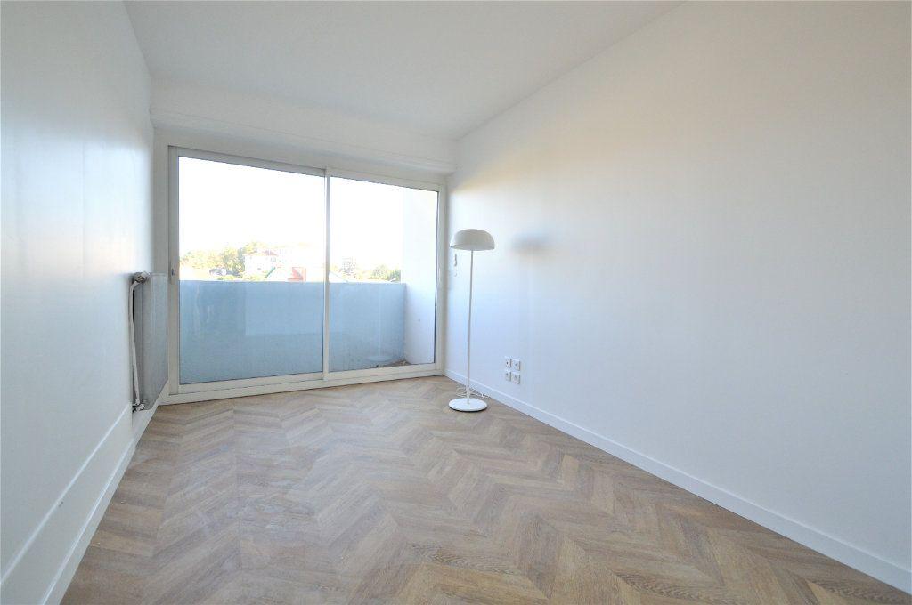 Appartement à louer 2 51.03m2 à Pau vignette-7