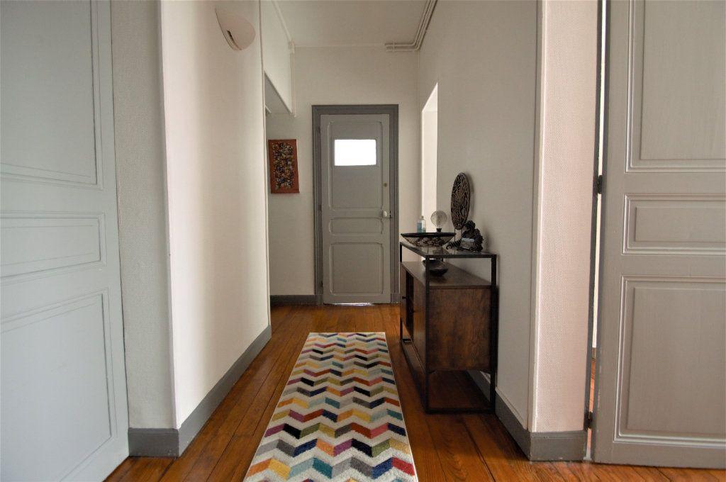 Appartement à louer 3 65.59m2 à Pau vignette-1
