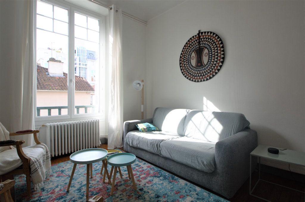 Appartement à louer 3 65.59m2 à Pau vignette-3