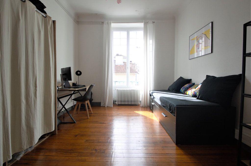 Appartement à louer 3 65.59m2 à Pau vignette-6