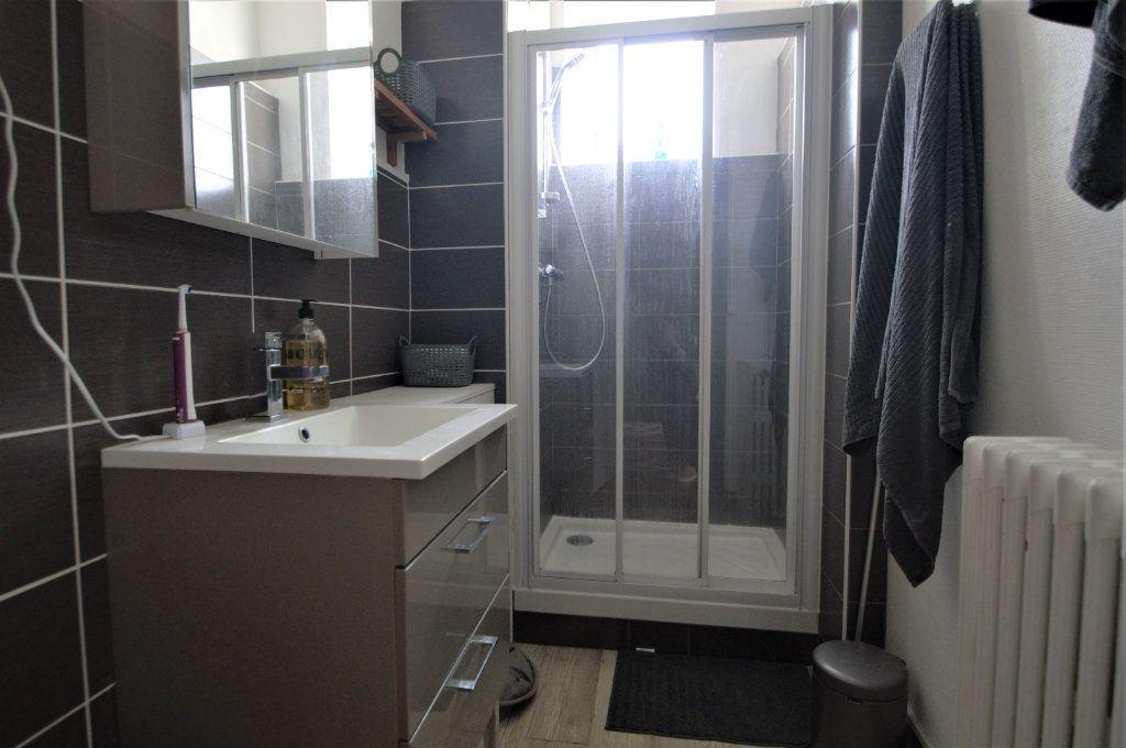 Appartement à louer 3 65.59m2 à Pau vignette-7