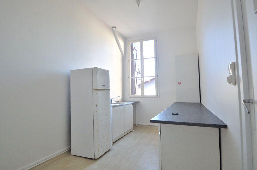 Appartement à louer 2 54.61m2 à Gelos vignette-2