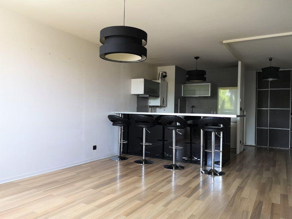 Appartement à vendre 2 54.96m2 à Caluire-et-Cuire vignette-2