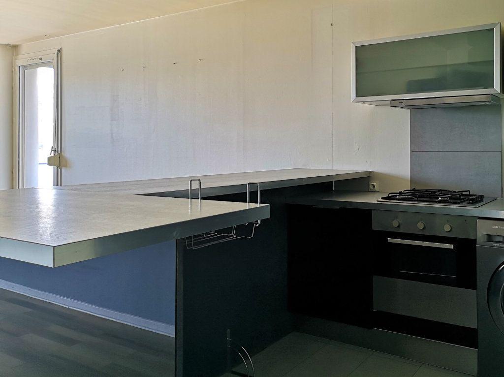 Appartement à vendre 2 54.96m2 à Caluire-et-Cuire vignette-3