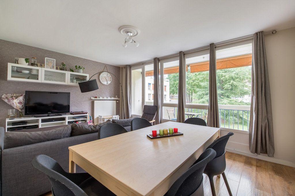 Appartement à vendre 4 77m2 à Genay vignette-2