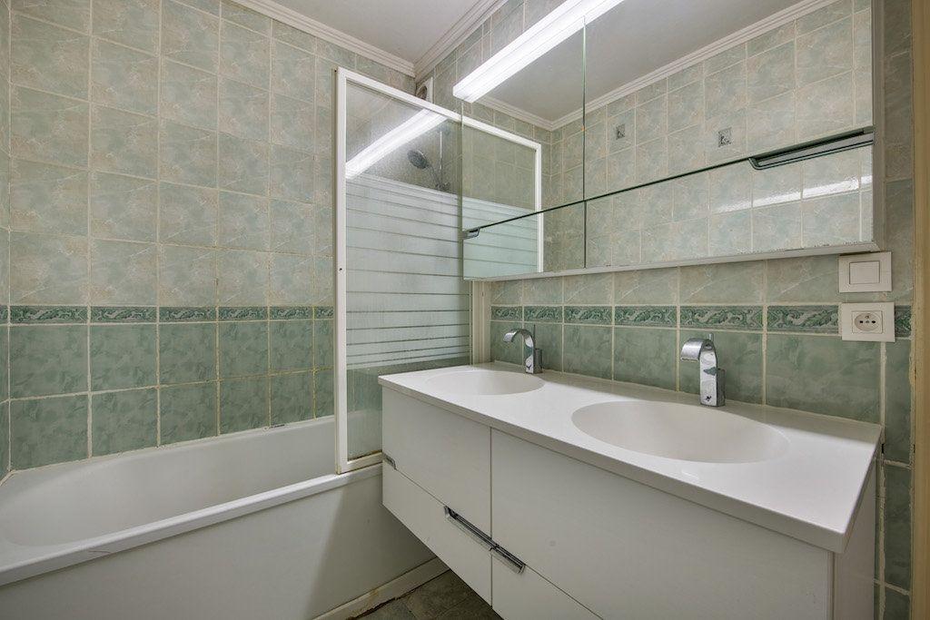 Appartement à vendre 4 77m2 à Genay vignette-4