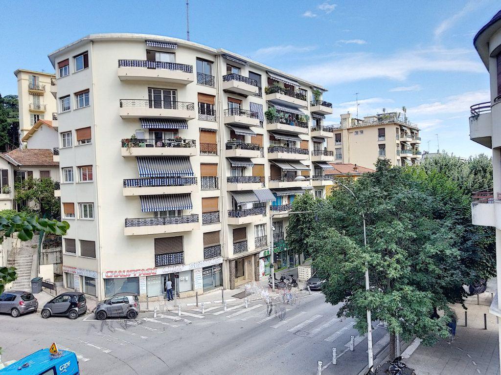 Appartement à vendre 3 72m2 à Nice vignette-1