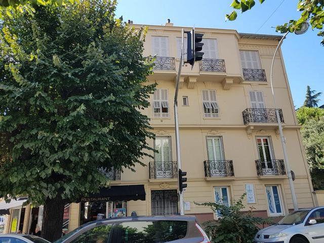 Appartement à vendre 3 72m2 à Nice vignette-2