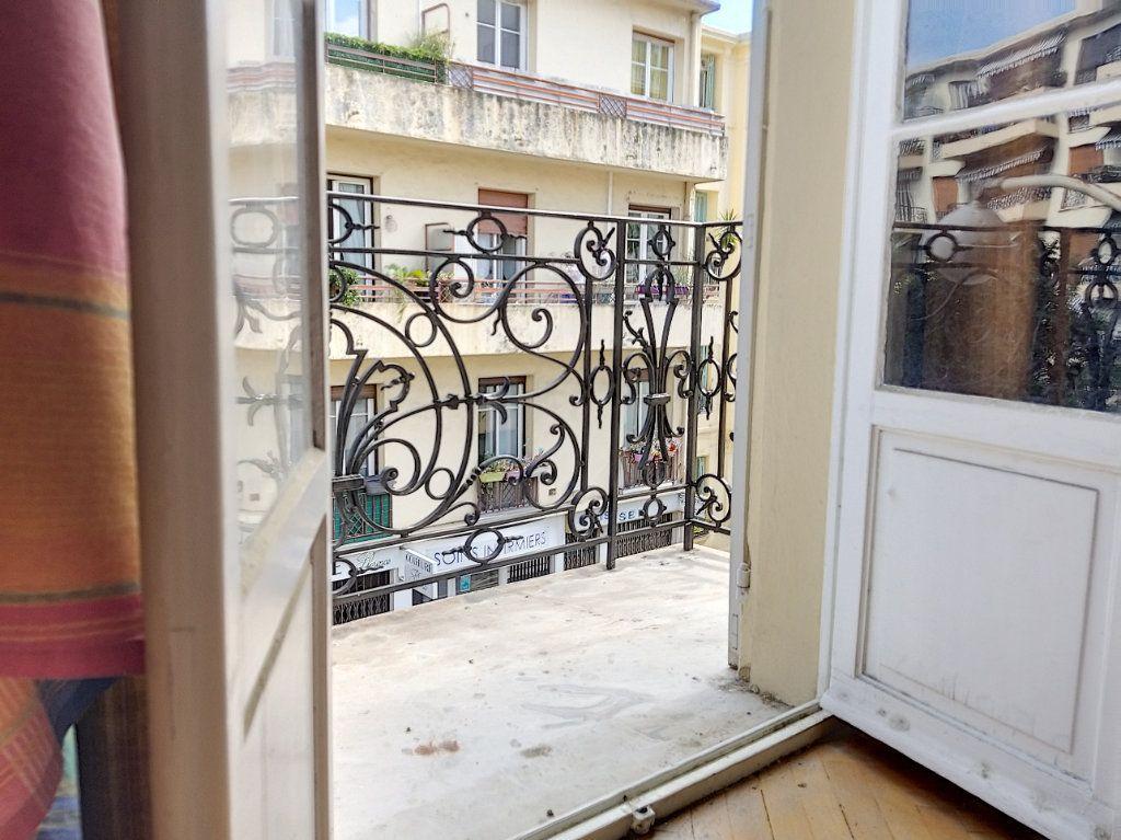 Appartement à vendre 3 72m2 à Nice vignette-9