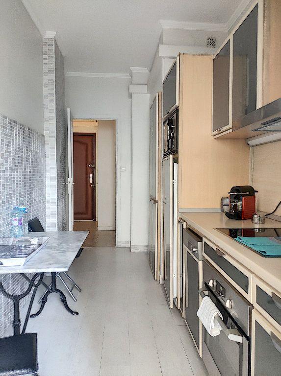 Appartement à vendre 2 52.5m2 à Nice vignette-3