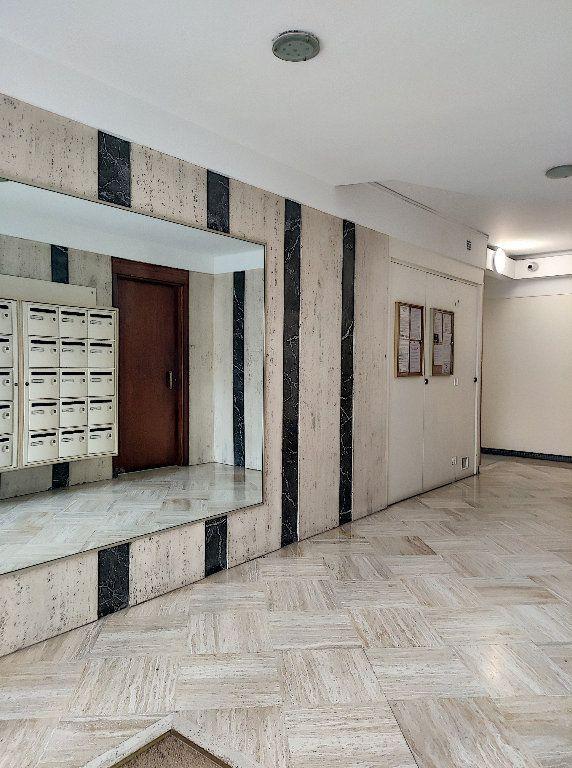 Appartement à vendre 2 52.5m2 à Nice vignette-17