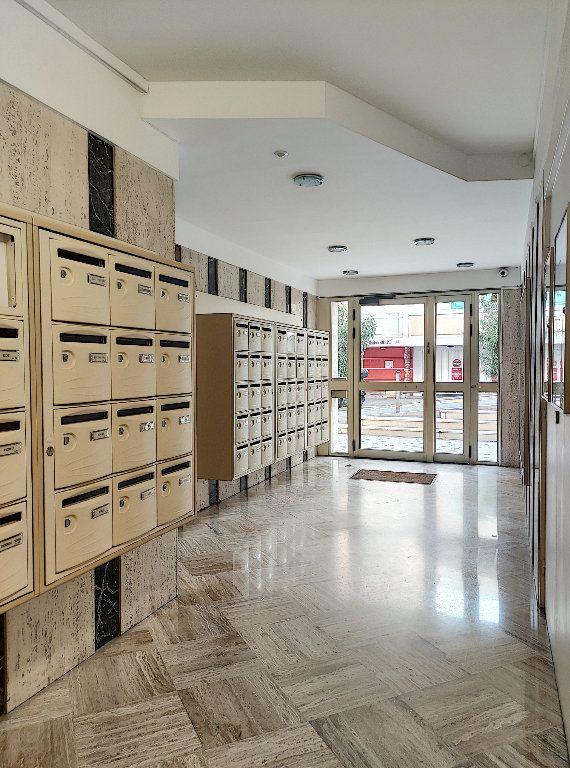 Appartement à vendre 2 52.5m2 à Nice vignette-18