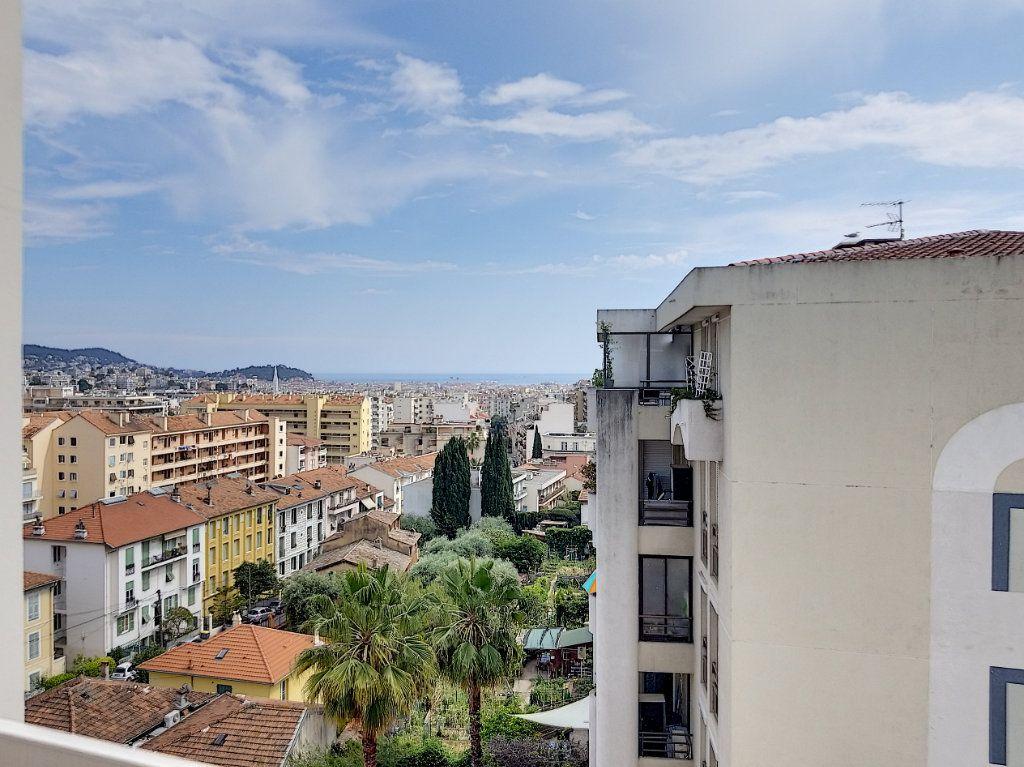 Appartement à louer 1 28.44m2 à Nice vignette-3
