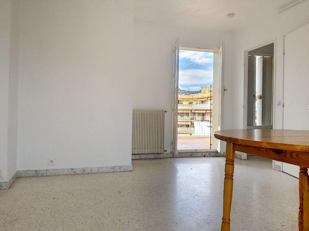 Appartement à louer 1 28.44m2 à Nice vignette-5