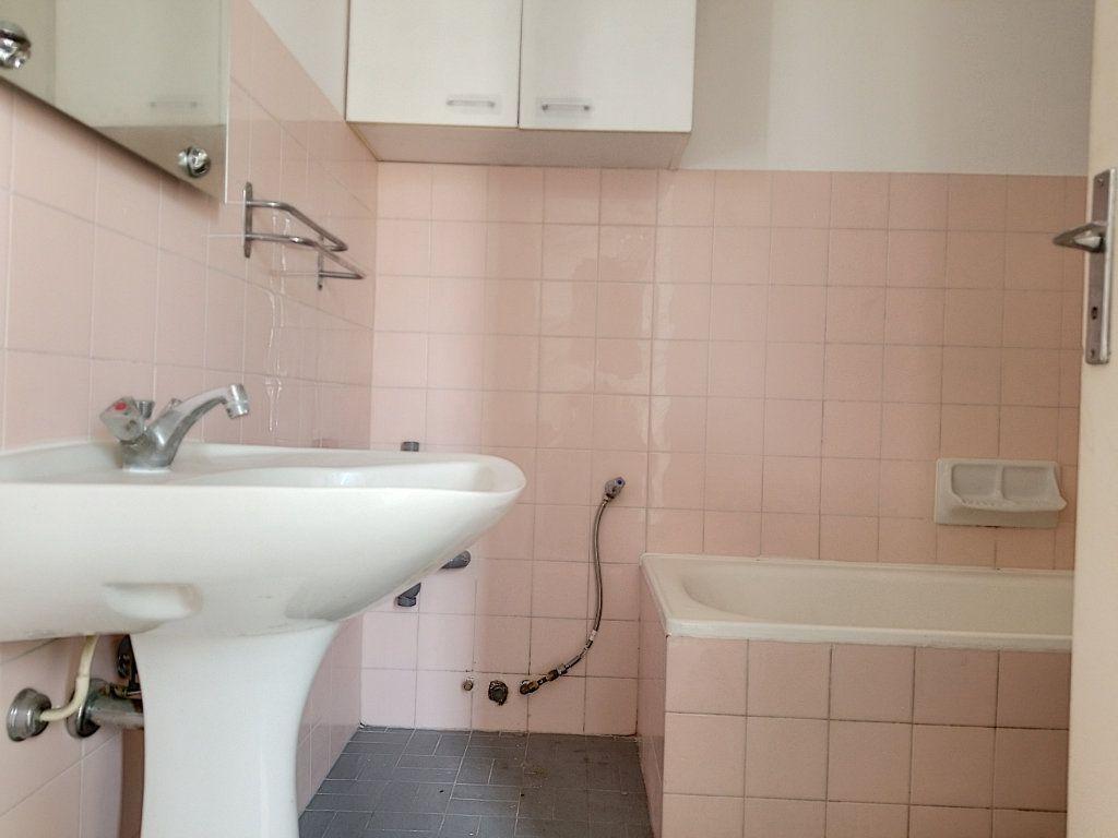 Appartement à louer 1 28.44m2 à Nice vignette-8