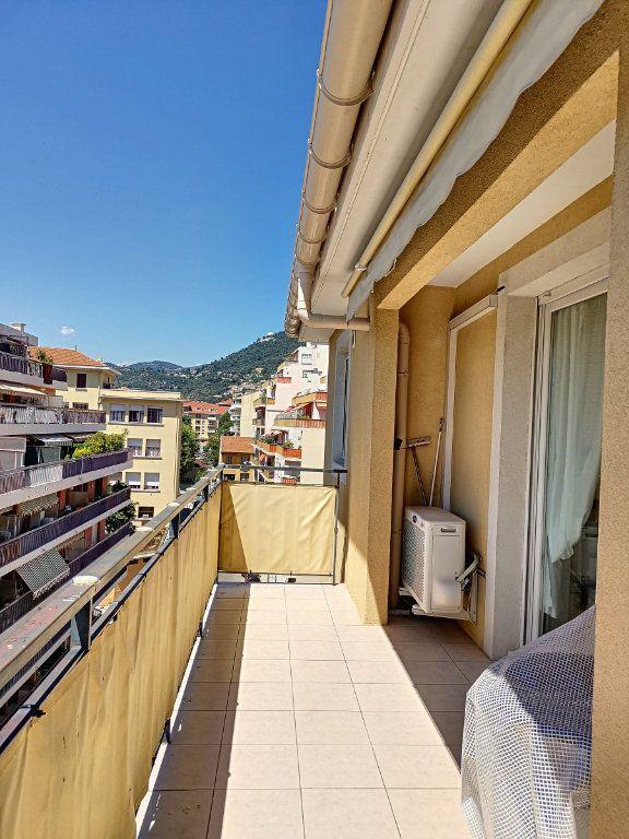 Appartement à louer 2 28.26m2 à Nice vignette-3