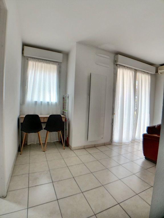 Appartement à louer 2 28.26m2 à Nice vignette-5