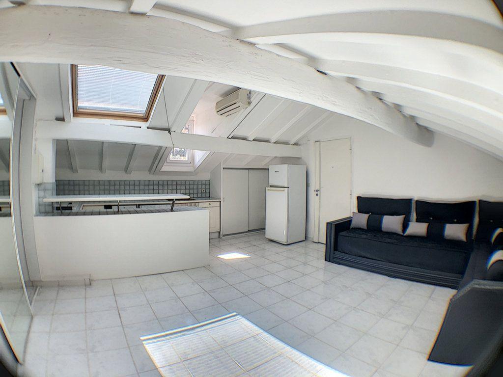 Appartement à vendre 2 29m2 à Nice vignette-1