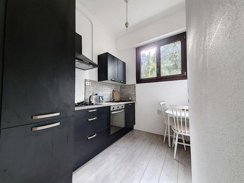 Appartement à vendre 2 47.44m2 à Nice vignette-1