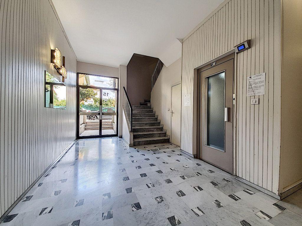Appartement à vendre 2 47.44m2 à Nice vignette-9