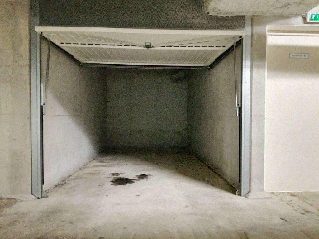 Appartement à louer 3 58.46m2 à Nice vignette-11