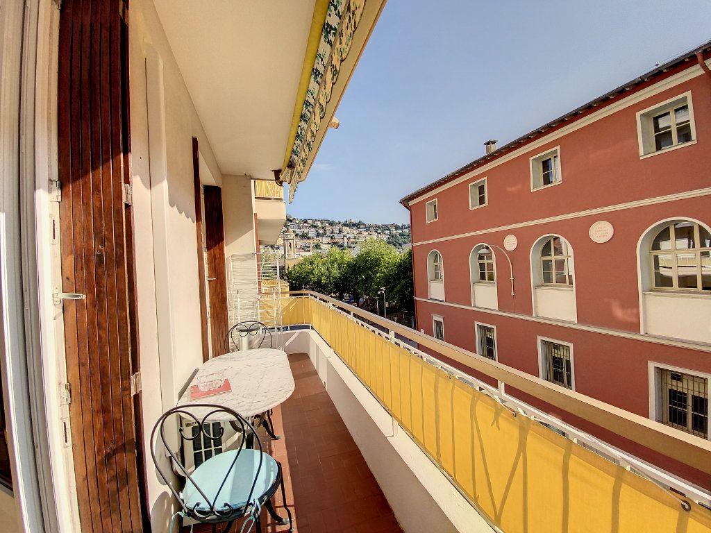 Appartement à vendre 2 54m2 à Nice vignette-1