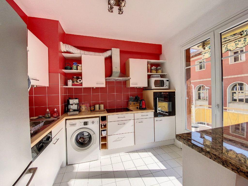 Appartement à vendre 2 54m2 à Nice vignette-5