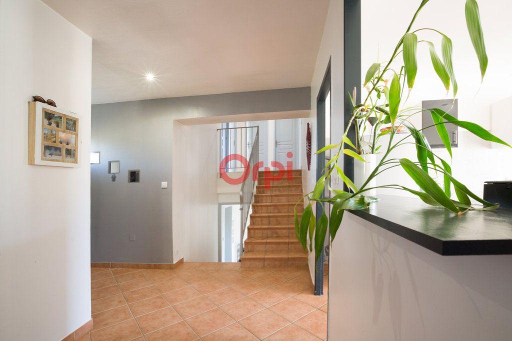Maison à vendre 7 139m2 à Villeneuve-de-Berg vignette-6