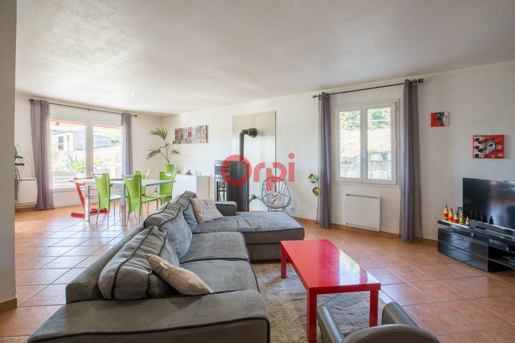 Maison à vendre 7 139m2 à Villeneuve-de-Berg vignette-8