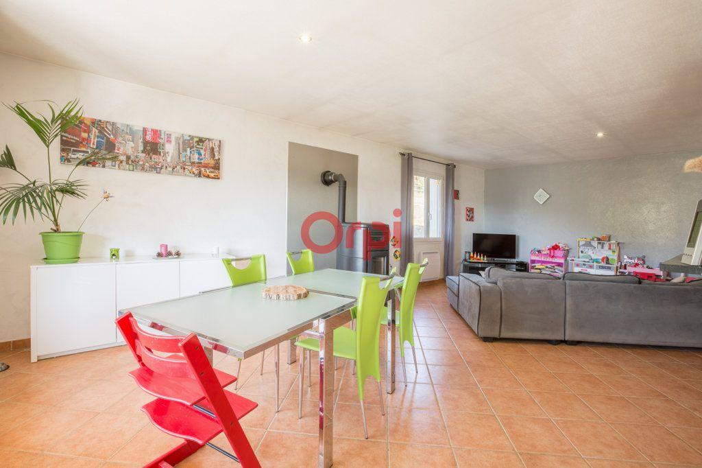 Maison à vendre 7 139m2 à Villeneuve-de-Berg vignette-9