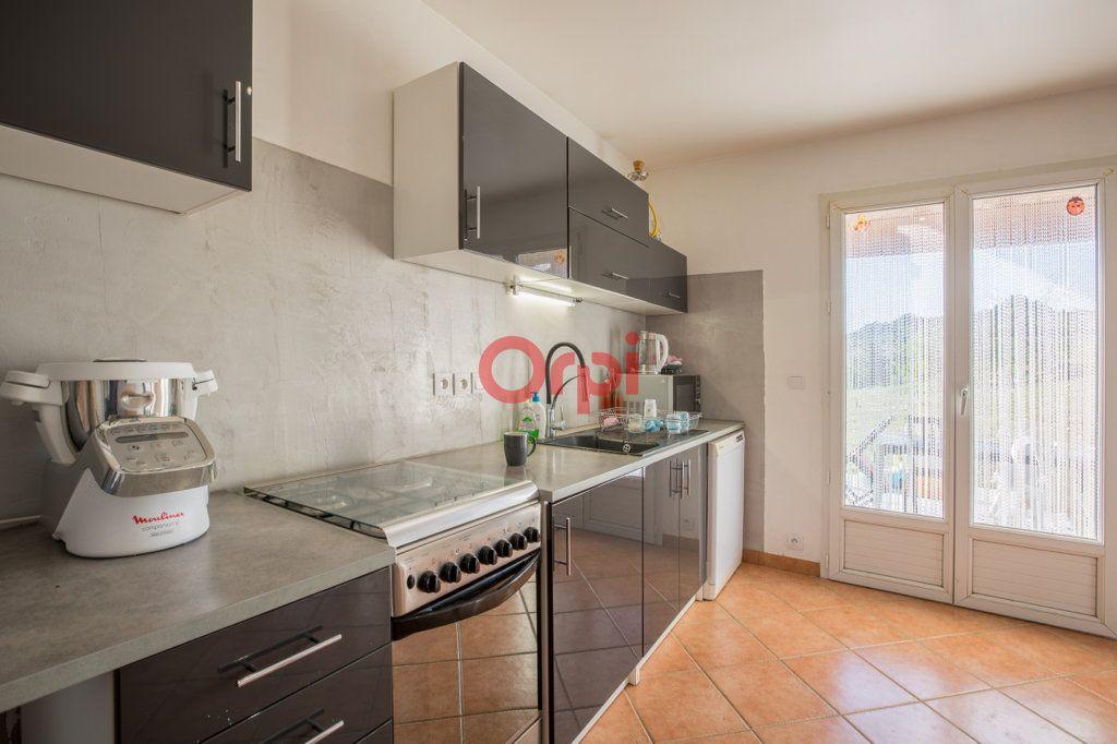 Maison à vendre 7 139m2 à Villeneuve-de-Berg vignette-12