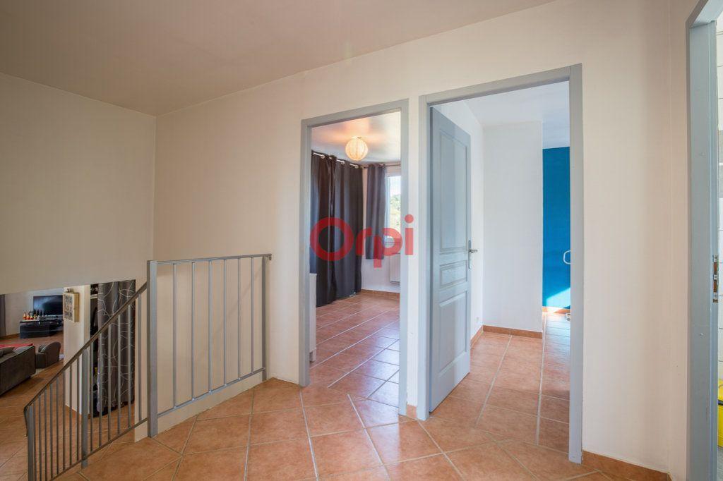 Maison à vendre 7 139m2 à Villeneuve-de-Berg vignette-16