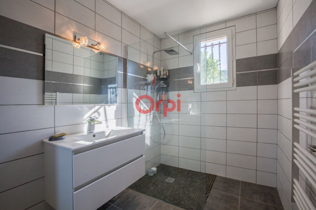Maison à vendre 7 139m2 à Villeneuve-de-Berg vignette-17