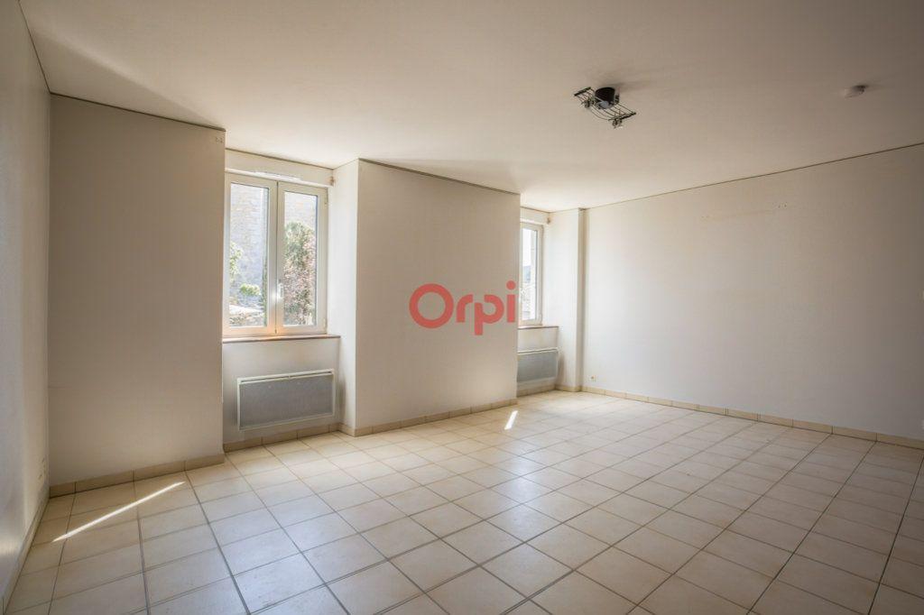 Appartement à louer 4 76.2m2 à Rochecolombe vignette-2