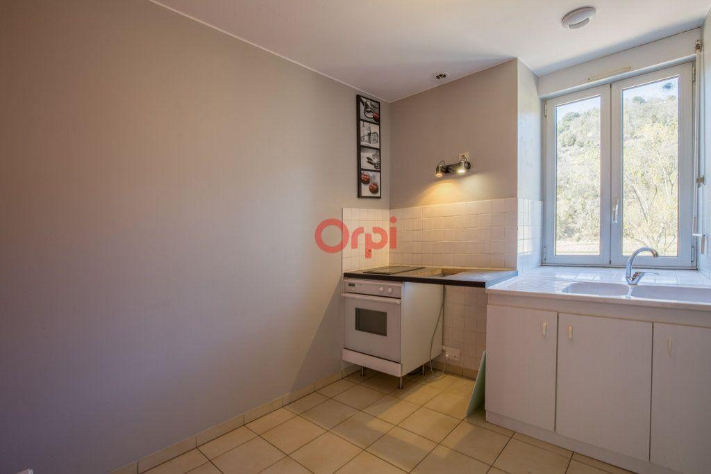 Appartement à louer 4 76.2m2 à Rochecolombe vignette-6