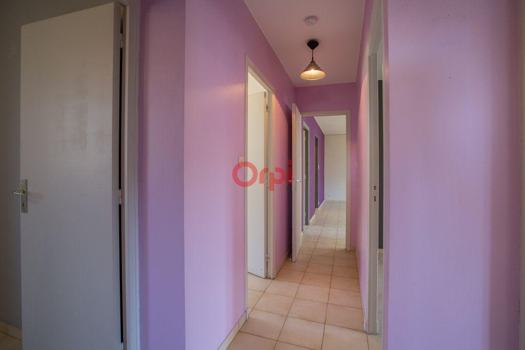 Appartement à louer 4 76.2m2 à Rochecolombe vignette-12