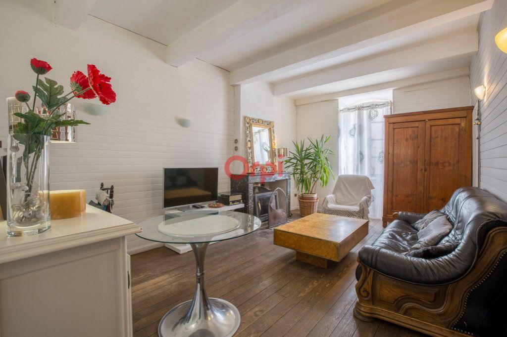 Maison à vendre 6 136m2 à Villeneuve-de-Berg vignette-1