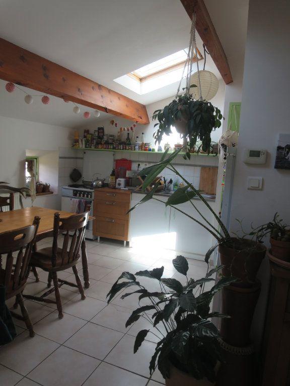 Appartement à louer 3 55.2m2 à Saint-Maurice-d'Ibie vignette-1