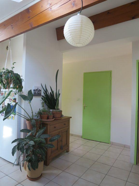 Appartement à louer 3 55.2m2 à Saint-Maurice-d'Ibie vignette-3