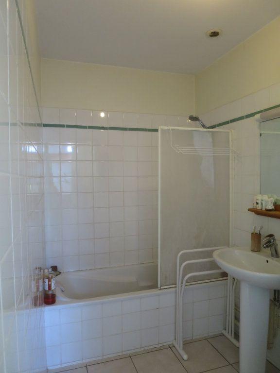 Appartement à louer 3 55.2m2 à Saint-Maurice-d'Ibie vignette-5