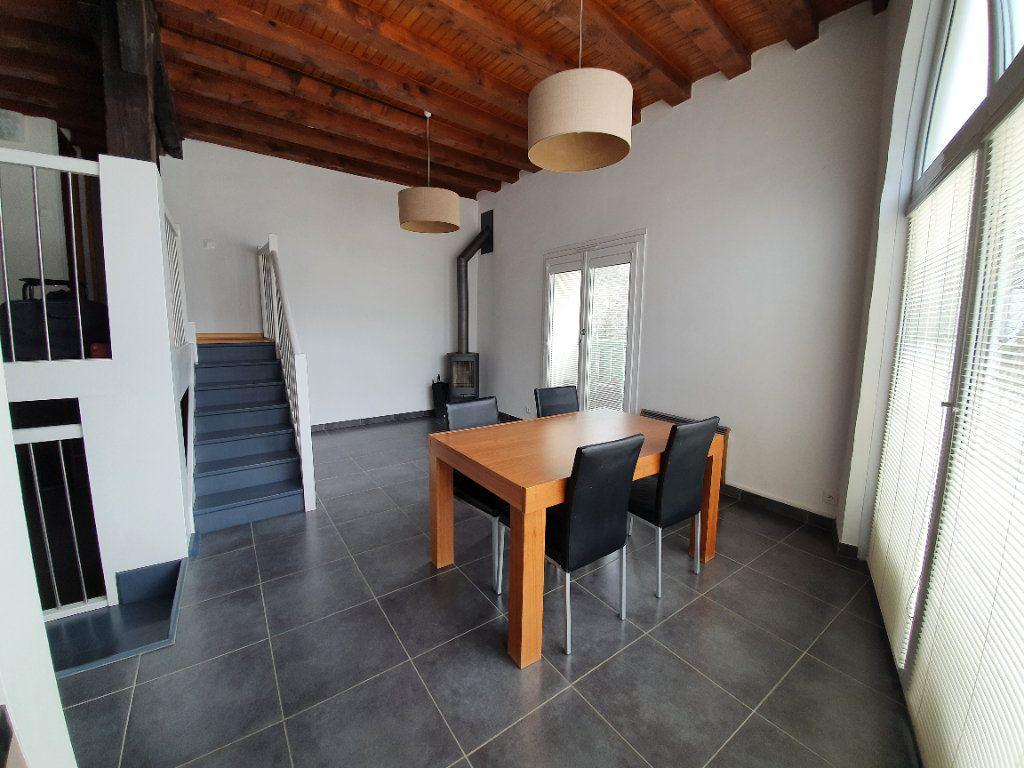 Appartement à vendre 4 101m2 à Saint-Jean-de-Gonville vignette-2