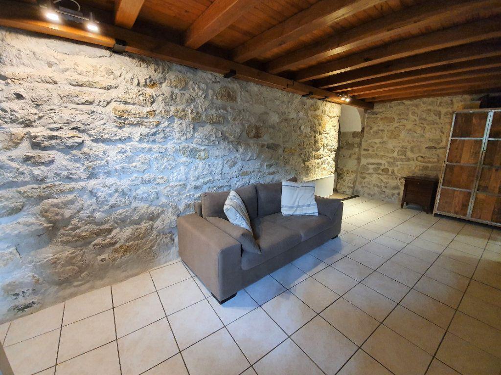 Appartement à vendre 4 101m2 à Saint-Jean-de-Gonville vignette-4